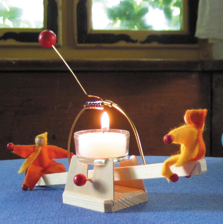 Lichtwippe mit Püppchen, Baus